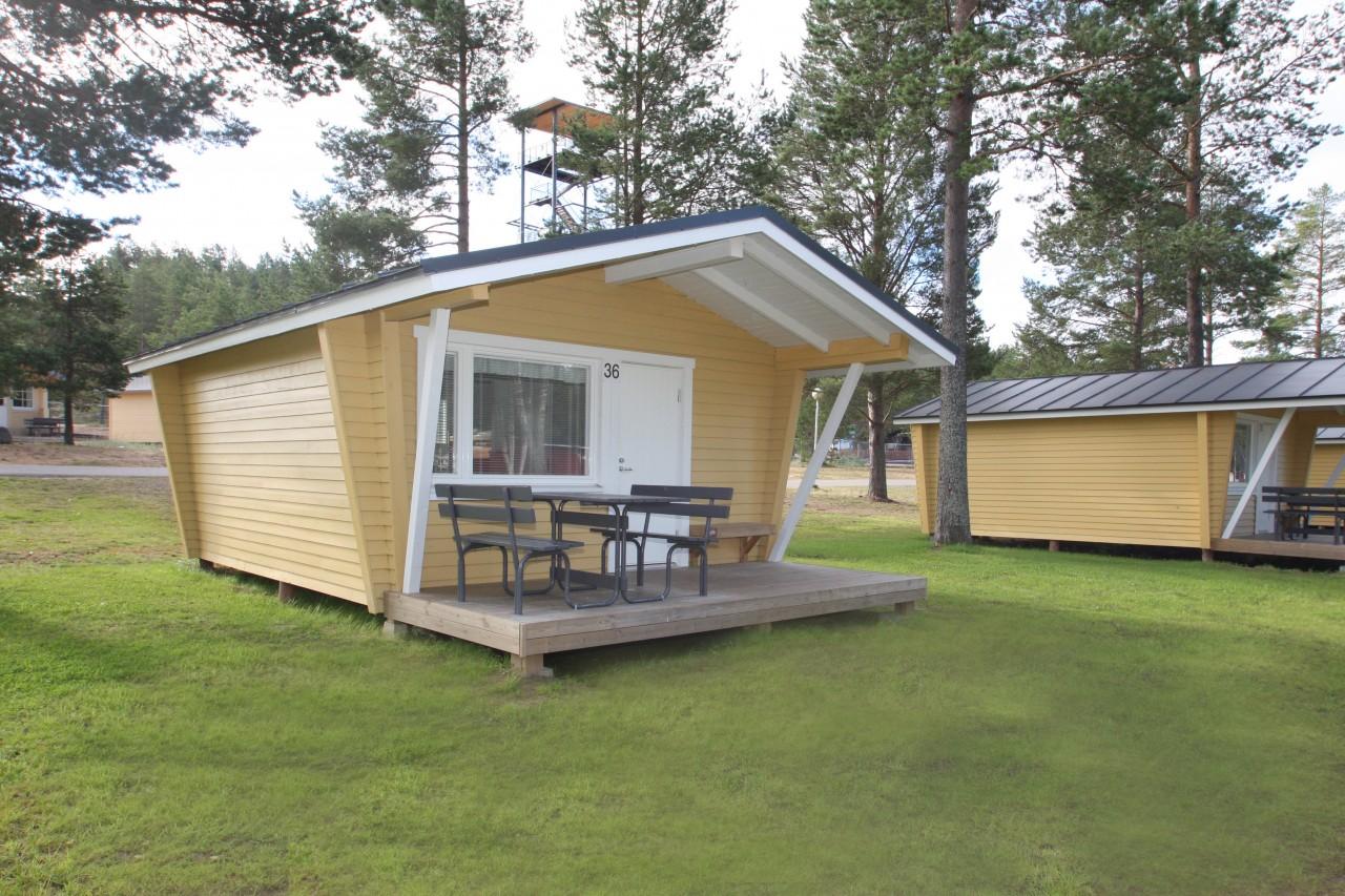 6 hengen mökki, keittiö, wc ja terassi  Kalajoki Camping